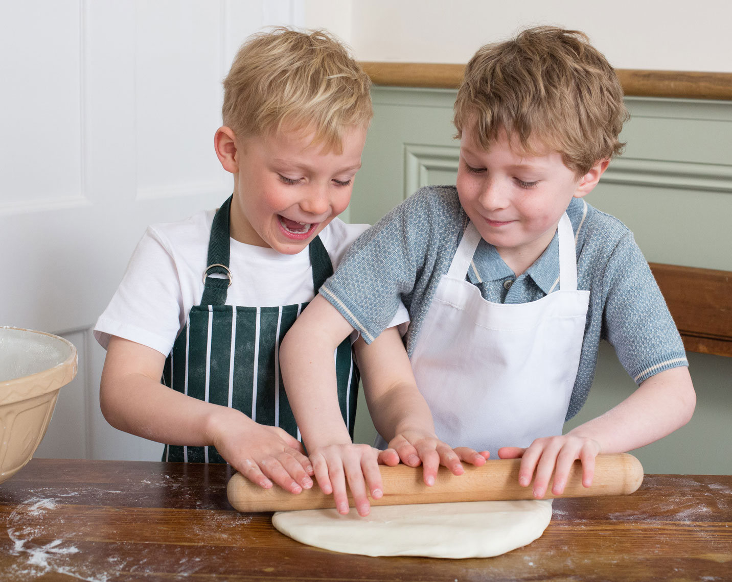 BOYS-ROLLING-DOUGH